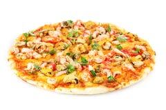 Köstliche Pizza mit essbaren Meerestieren lizenzfreies stockfoto