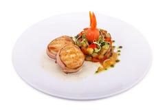 Köstliche Ratatouille auf einer weißen Platte Stockfoto