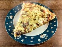 Köstliche saftige Pizza stockbilder