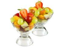 Köstliche Schüsseln der frischen Frucht Stockbilder