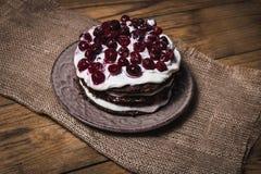Köstliche Schokoladenkuchen auf Tabellennahaufnahme Lizenzfreies Stockfoto