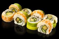 Köstliche Sushirolle mit Garnele Lizenzfreie Stockbilder