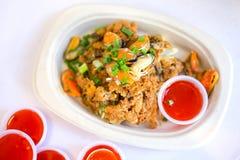 Köstliche thailändische Nudelgarnele mit Fischrogenausternoberteil, das ist Stockfotos