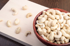 Köstliche und gesunde rohe Acajounüsse Stockfoto