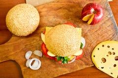 Köstlicher Burger Lizenzfreie Stockfotografie