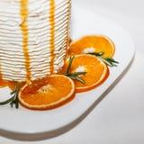 Köstlicher Kuchen mit Orangen und Karamell Lizenzfreies Stockbild