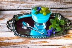 Köstlicher Nachtisch für Sommer Stockbilder
