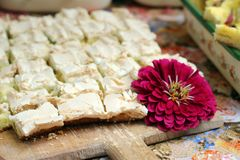 Köstlicher sahniger Kuchen Stockfoto