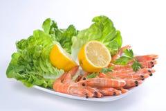 Köstlicher Salat der frischen Garnelen stockfotografie