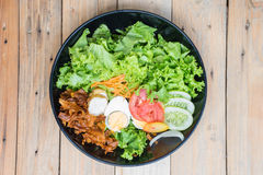 Köstlicher Salat für Gesundheit Stockfotografie