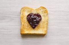 Köstlicher Toast mit Störung Lizenzfreie Stockfotografie