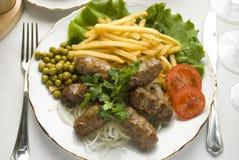 Köstlicher, traditioneller Teller, mititei Lizenzfreie Stockfotos