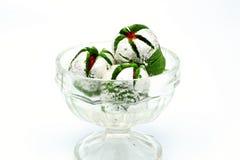 Köstliches indisches süßes Anarkali in einer Glasschüssel Stockfotografie