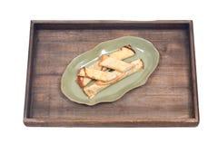 Köstliches Käse blintz auf grüner Platte Stockbild