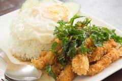 Köstliches und berühmtes thailändisches Lebensmittel. Stockfotografie