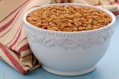 Köstliches und gesundes Granolagetreide Stockfoto