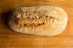 Köstliches und warmes Brot lizenzfreie stockfotos