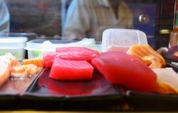 Kött för att laga mat den japanska kokkonstsushi royaltyfri fotografi