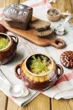 Kött i Clay Pot Royaltyfria Bilder