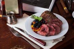 Kött med bär Arkivbilder