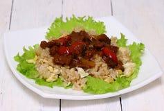 Kött med grönsaker och ris Royaltyfri Bild