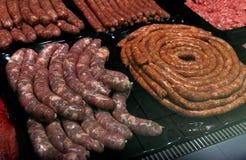 Kött på marknad i Sofia, Bulgarien, på Februari, 15, 2017 Royaltyfri Bild