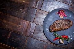 Köttbiff på plattan Royaltyfri Foto