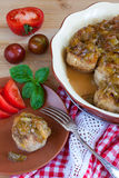 köttbullar med den kryddiga sötsaken och sur plommonsås Fotografering för Bildbyråer