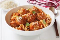 Köttbullar och pasta Arkivfoto