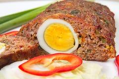 Köttfärslimpa med ägget Royaltyfri Fotografi