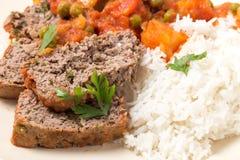 Köttfärslimpamål med ris från över Royaltyfri Fotografi