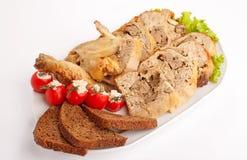 Köttfärslimpan med höna påskyndar Arkivfoton