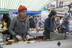Köttmatlagning, stadmarknad, London Royaltyfri Foto