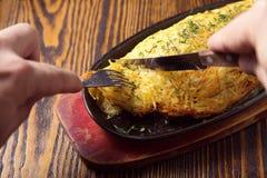 Köttpaj med potatisen Royaltyfri Bild