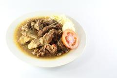 Köttsoppa och platta royaltyfria foton
