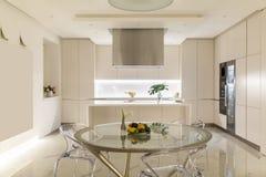 Küche in der modernen Art Stockfotografie