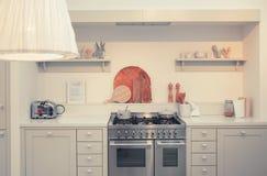 Küche im Landhausstil lizenzfreie stockbilder