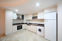 Küche in meinem Marine Residence-Wohnkomplex Lizenzfreie Stockfotografie