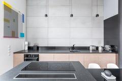 Küche mit Granit worktop lizenzfreies stockfoto
