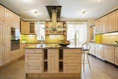 Küche mit Insel stockbilder