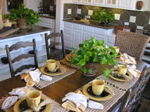 Küche-Tabelle lizenzfreie stockbilder