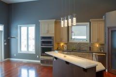 Küchen-Innenarchitektur stockfotografie