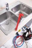 Küchen-Wasserhahn und -wanne Lizenzfreie Stockfotos