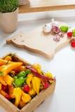 Küchenkräuter Paprikas u. Knoblauchschafe stockbild