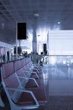 Kühler Aufenthaltsraum im Flughafen stockbilder