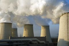 Kühler eines Kraftwerks Stockbild