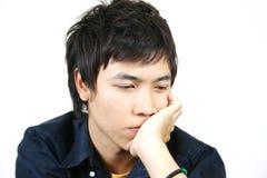 Kühler junger asiatischer Kerl stockbild