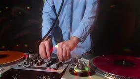 Kühler Mann DJ stock video