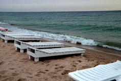 Kühler Sommertag des Strandes stockbilder