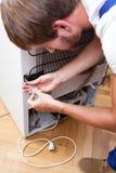 Kühlschrank, der Nahaufnahme repariert Lizenzfreies Stockbild